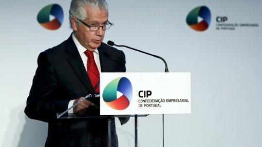 Covid-19: Mais de 40% das empresas vai suspender ou cancelar investimentos este ano - CIP