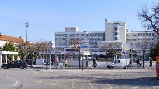 Covid-19: Médicos tarefeiros recebem em Aveiro doentes emergentes - sindicato