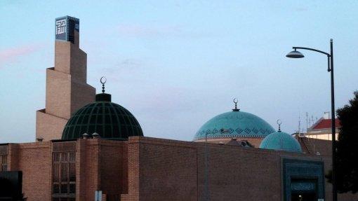 Covid-19: Requerentes de asilo ficam na Mesquita de Lisboa até testarem negativo