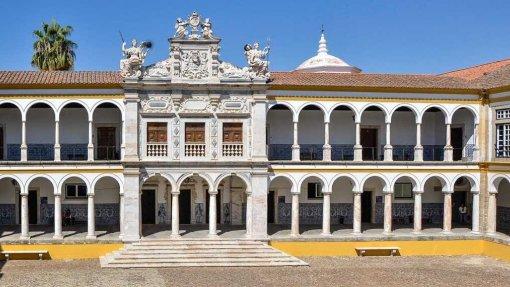 Covid-19: Universidade de Évora faz testes serológicos a trabalhadores e investigadores