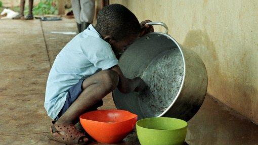 Covid-19: ONU alerta que pandemia está a agravar desnutrição de milhões de crianças
