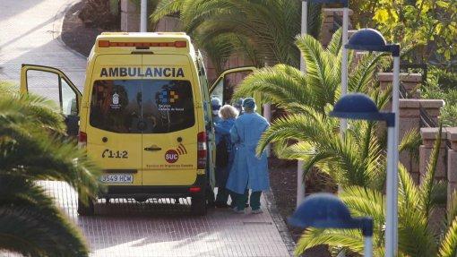 Covid-19: Casos diários voltam a subir em Espanha, 905 novos contágios nas últimas 24 horas
