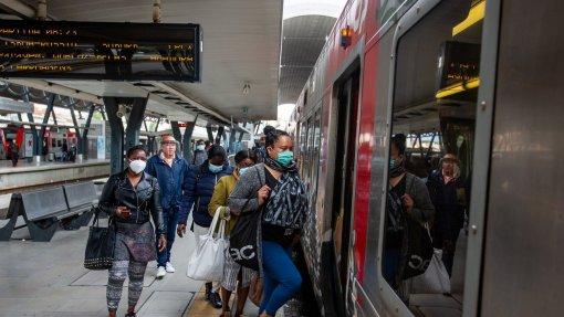 Covid-19: Inquérito da Deco aponta medo de espaços públicos e cancelamentos de férias