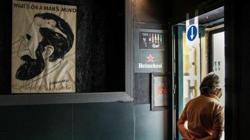 Covid-19: Bares e discotecas podem funcionar como cafés e pastelarias a partir de sábado