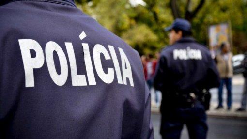 """Covid-19: Trinta doentes na PSP e GNR e apenas """"casos pontuais"""" entre bombeiros - ministro"""