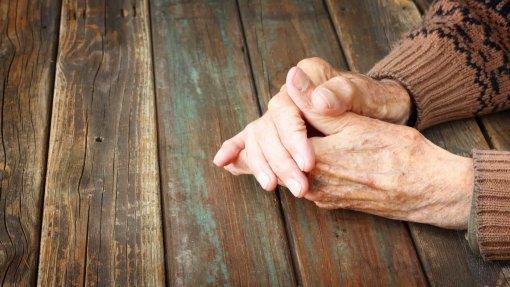 DGS altera norma sobre visitas aos lares sem consultar setor social ou privado