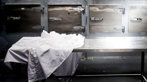 Covid-19: CHULN vai instalar dois contentores refrigerados para reforçar capacidade da morgue