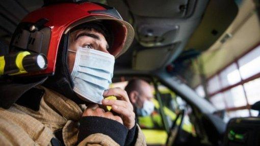 Covid-19: Bombeiros do Porto dizem que custos com equipamentos põe em causa socorro