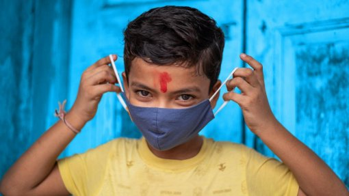 Covid-19: UNICEF avisa que pandemia está a facilitar adoções ilegais na Índia