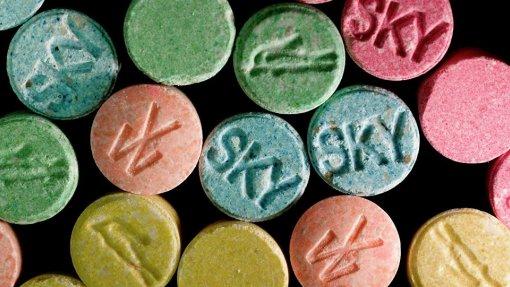 Mais de 400 novas substâncias psicoativas detetadas no mercado europeu - relatório