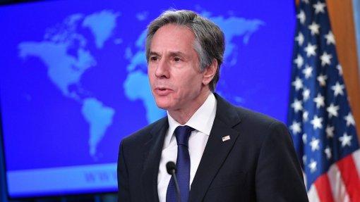 """Covid-19: Blinken pede à China """"transparência"""" sobre origem do vírus"""