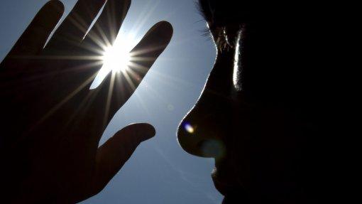 Quinze distritos, Açores e Porto Santo em risco muito elevado de exposição aos UV