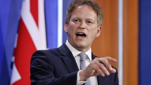 """Covid-19: Governo britânico coloca Madeira """"sob vigilância"""" e alerta para risco de descer"""