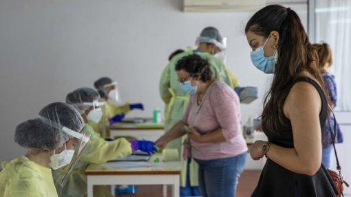 Covid-19: Peritos apostam na vacinação, testagem, medidas sanitárias e gestão de risco