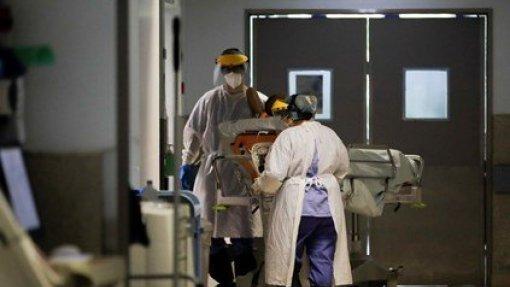 ENTREVISTA:Covid-19: Saturação e banalização são hoje os maiores riscos da pandemia - Cristina Ponte